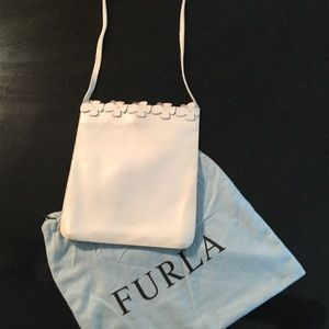 Vintage Furla white shoulder bag with flower trim